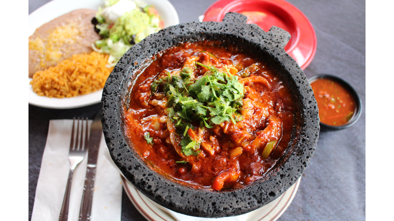 CHICKEN MOLCAJETE